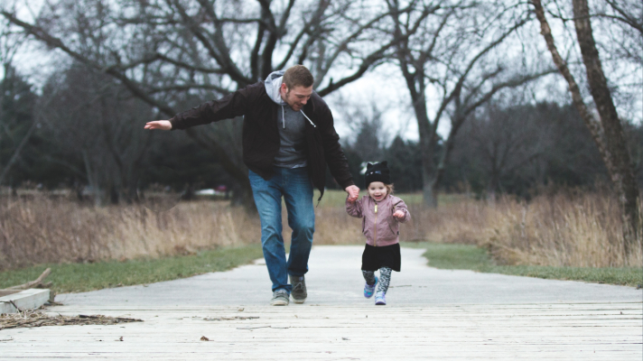 Financial advice that every dad must give to their children