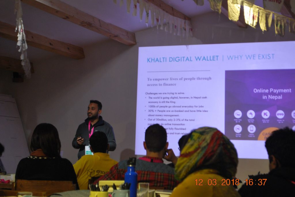 Amit Agrawal, Director of Khalti gives a presentation on a workshop organized hosted by Spring Accelerator